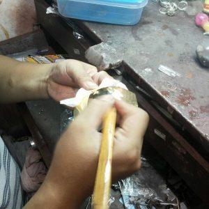 Proses Penyanglingan Perhiasan
